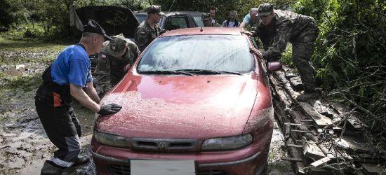 Żołnierze walczą z powodziami na Podkarpaciu (ZDJĘCIA)