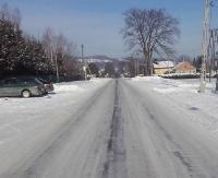 """INTERWENCJA: Na drodze ślisko i biało. """"Czy pług tę drogę wąchał?"""" (ZDJĘCIA)"""