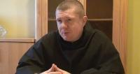 O Wszystkich Świętych, Halloween i pobycie w Sanoku rozmawiamy z ojcem gwardianem Bartoszem Pawłowskim (FILM)