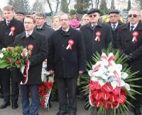 """""""Jesteśmy wolni! Wielu oddało za to życie"""". Sanok uczcił 98. rocznicę odzyskania przez Polskę niepodległości (FILM, ZDJĘCIA)"""