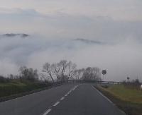 Kotliny bieszczadzkie otulone kołderką mgły (ZDJĘCIA)