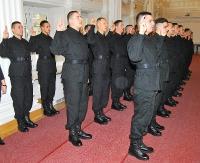 """""""Posiłki"""" w policji. Przyjęli na siebie obowiązki i trudy policyjnej służby (ZDJĘCIA)"""