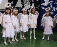 Świąteczny Koncert Kolęd w SP 6 w Sanoku, połączony z kiermaszem na rzecz dzieci z Syrii (FILM)