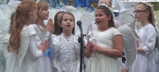 GMINA BUKOWSKO: Uczniowie z radością o narodzinach Jezusa. Wyjątkowe jasełka w Zespole Szkół w Bukowsku (FILM, ZDJĘCIA)