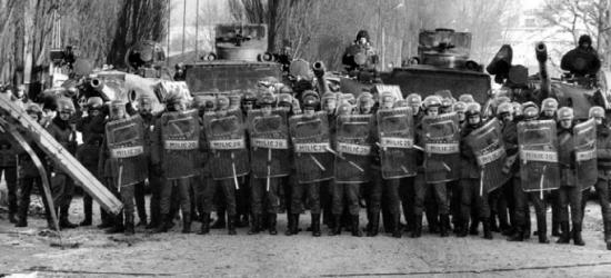 Jutro 39. rocznica wprowadzenia stanu wojennego (VIDEO, FOTO)