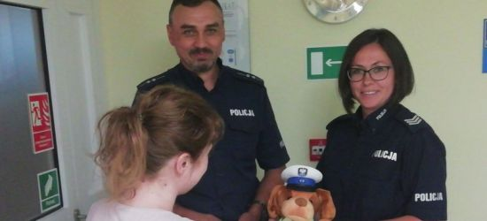 Brzozowscy dzielnicowi eskortowali rodzącą kobietę! (ZDJĘCIE)