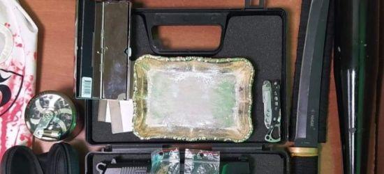 PODKARPACIE: Kij baseballowy, noże, pistolet i narkotyki w bmw!