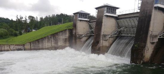 Zrzut wody na zaporze w Myczkowcach (VIDEO, ZDJĘCIA)