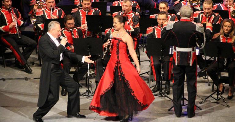 Koncert noworoczny. Fenomenalna orkiestra wojskowa o wielu twarzach (FOTO)