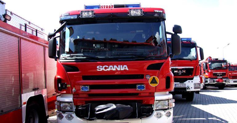 ZASŁAW: Płonęły materiały w jednej z firm