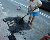 ZAGÓRZ – KOMAŃCZA: Droga jest na gwarancji, usterki są na bieżąco likwidowane (ZDJĘCIA)