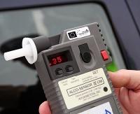 KRONIKA POLICYJNA: Kierowcy na podwójnym gazie i kradzież za blisko 1000 zł