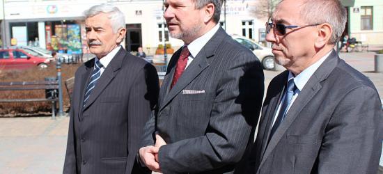 Poseł, burmistrz i starosta… jednym głosem za Andrzejem Dudą. Zebrano ponad milion podpisów (FILM, ZDJĘCIA)
