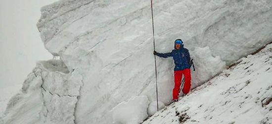 Lawina w Bieszczadach. Ponad 3 metry śniegu! (ZDJĘCIA)