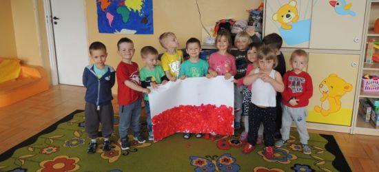 Mali patrioci z Pakoszówki. Piękne świętowanie! (VIDEO, FOTO)
