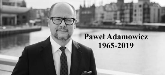 Księga kondolencyjna poświęcona prezydentowi Gdańska wystawiona w sanockim magistracie