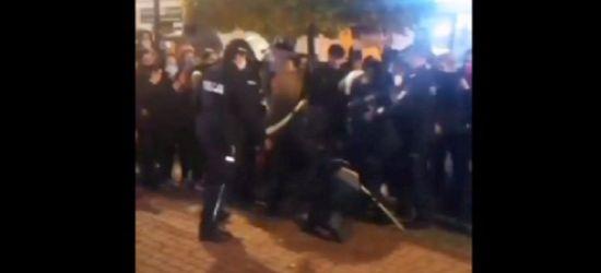SANOK: Przepychanki pod siedzibą SLD. Mamy nagranie (VIDEO)