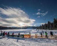 Sezon narciarski pełną parą. Stok LeskoSki zaprasza miłośników sportów zimowych (ZDJĘCIA)