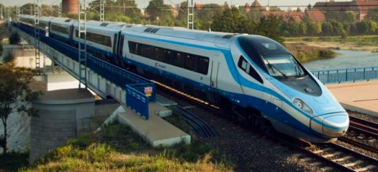 """W 4 i pół godziny pociągiem do Krakowa. Drgnęło w """"betonie"""""""