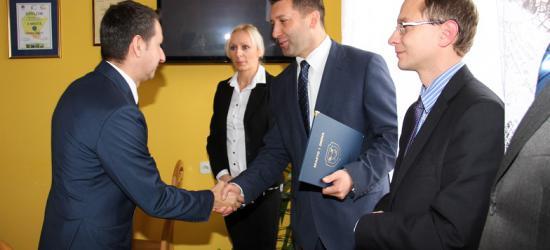 Doceniono najlepszych pedagogów i dyrektorów szkół w Zagórzu (ZDJĘCIA)