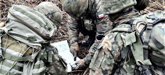 """30 żołnierzy WOT na kursie podoficerskim """"SONDA"""" (ZDJĘCIA)"""