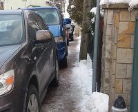 """INTERWENCJA: Bezczelne parkowanie na Sikorskiego w Sanoku! """"Tylko karanie kierowców przynosi efekty"""" (ZDJĘCIA)"""