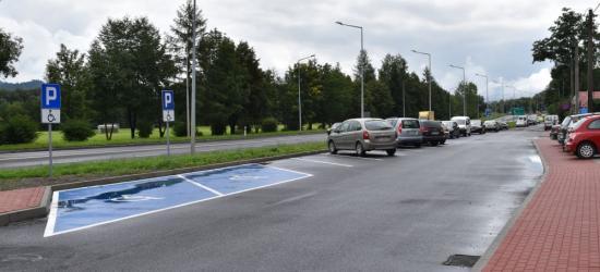 SANOK: Nowa nakładka asfaltowa i chodniki na Błoniach (ZDJĘCIA)