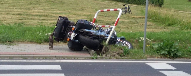 UWAGA: Wypadek w Zabłotcach z udziałem ciężarówki, osobówki i dwóch motocykli (ZDJĘCIA)