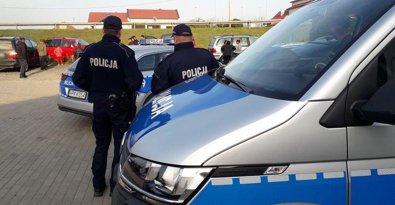 Akcja policji przed grzybobraniem. 100 obcokrajowców, chłodnie na przemysłową ilość grzybów! (ZDJĘCIA)
