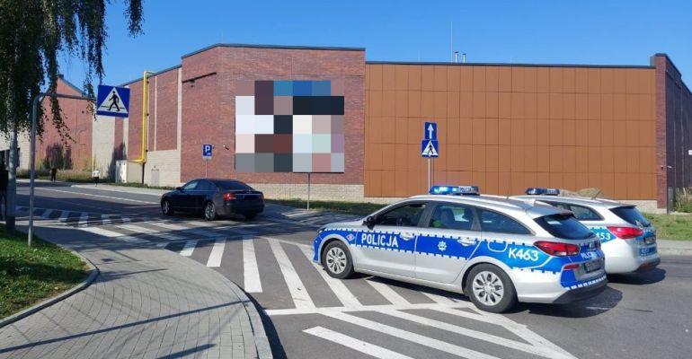 REGION: Potrącenie dwóch nastolatek w rejonie przejścia dla pieszych