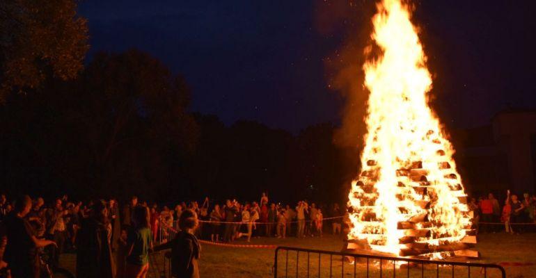 SANOK: Płonąca watra, muzyka folk. Karpaty Góry Kultury (PROGRAM)