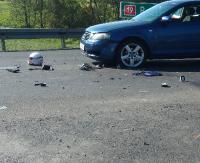 Zjechał na przeciwległy pas i uderzył w motocyklistę. 43-latka przetransportowano do brzozowskiego szpitala (ZDJĘCIA)