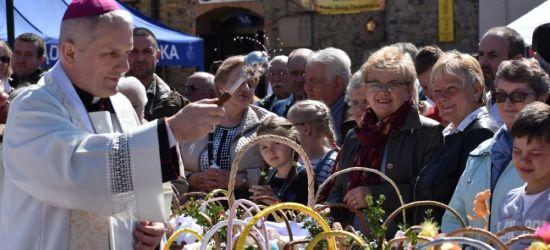 SANOK 2019: Śniadanie Wielkanocne na Rynku (VIDEO, FOTO)