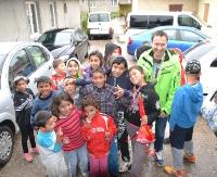 Jacek Kawalec pomaga romskiej osadzie i odwiedza Sanok (ZDJĘCIA)