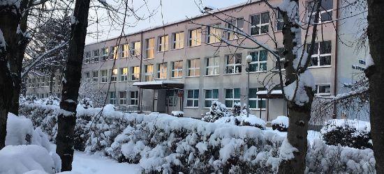 SANOK. W SP9 dwa oddziały wyłączone z nauczania, w pozostałych szkołach zajęcia prowadzone są normalnie