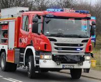 KRONIKA STRAŻACKA: Motocyklem uderzył w budynek, płonący samochód na parkingu i pożar domu