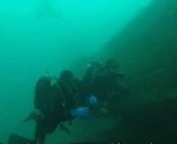 Akcja ratunkowa na dnie jeziora. Zobaczcie fantastyczne podwodne ujęcia! (FILM, ZDJĘCIA)