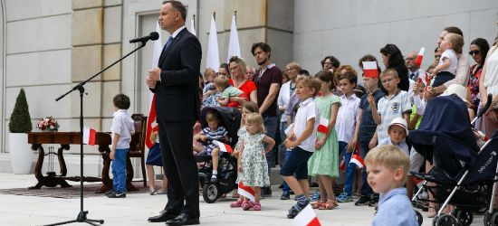 Prezydent Andrzej Duda nie chce aby homoseksualiści adoptowali dzieci (VIDEO)