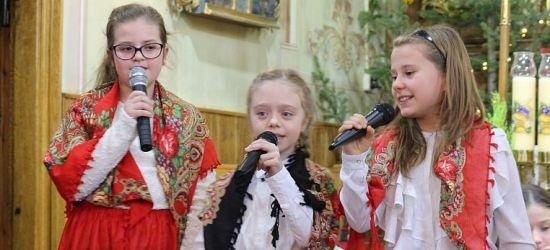 Zaśpiewali od serca dla babć i dziadków (VIDEO, FOTO)