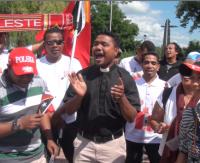 """""""Wiwat Polska, dziękujemy!"""". Rozśpiewani pielgrzymi z Timoru przyjechali do Sanoka (FILM)"""