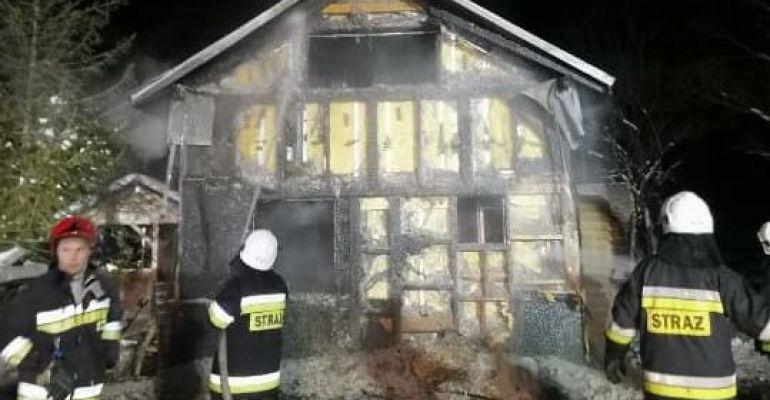 GMINA DYDNIA. Pożar drewnianego domu. Straty na 100 tys. złotych (FOTO)