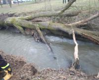 POWIAT BRZOZOWSKI: Z rzeki Rosielna wyłowiono zwłoki 39-latka (ZDJĘCIE)