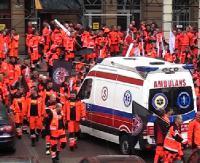 Ratownicy z Sanoka przystąpili do akcji protestacyjnej. Strajk nie uderzy w pacjentów i pracodawców (FILM, PETYCJA)