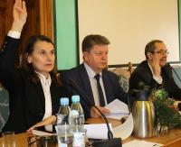 """SANOK: Czy radni powiatowi zagłosują za zamiarem likwidacji """"Budowlanki"""", """"Setki"""" i bursy? (RETRANSMISJA)"""
