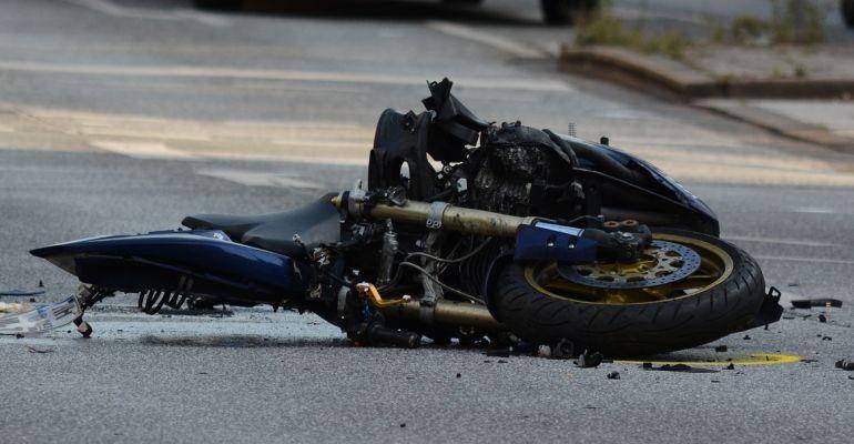 PODKARPACIE. Młody motocyklista uderzył w drzewo. Nie żyje