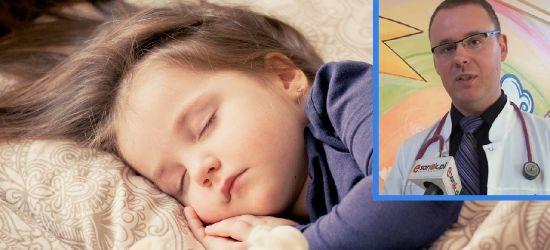 Pediatrzy z Sanoka ratują 7 miesięczne dziecko chore na Covid-19. Dziecięcy już jest przygotowany na zmiany