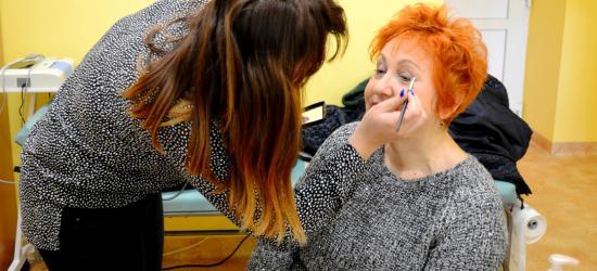Piękna i zdrowa. W kolejce na badanie, spotkanie z dietetykiem oraz makijaż (ZDJĘCIA)