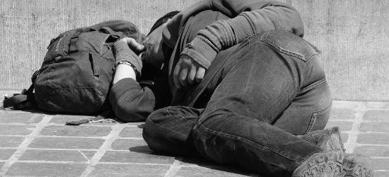 BUKOWSKO. Pijana 38-latka leżała na drodze
