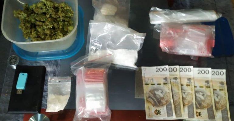 PODKARPACIE. Marihuana i mefedron w mieszkaniu 27-latka (FOTO)