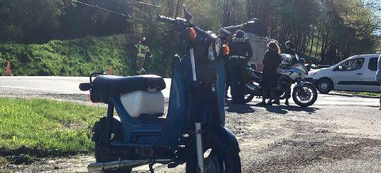 ZAHUTYŃ. Zderzenie osobówki z motorowerem. Kierowca w szpitalu (VIDEO, ZDJĘCIA)